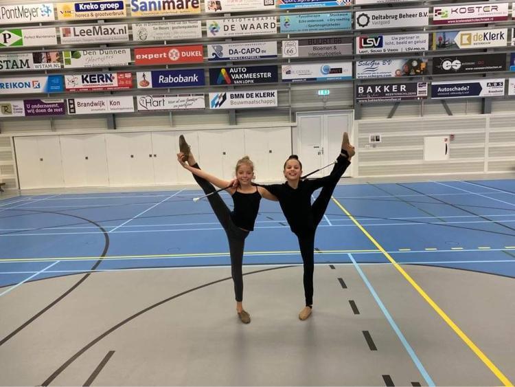 Twirlsters Nienke en Isa